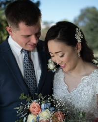 Wedding portrait of Ross and Eunyoung by Mondo Photography